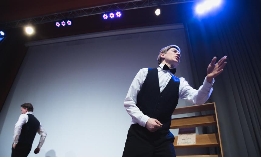 Новый театральный сезон начнется постановкой Скандарбека Тулпарова «Смеетсяли Чехов…»